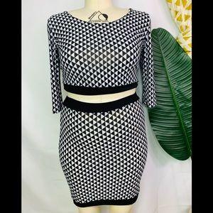 Dresses & Skirts - plus size patterned pencil skirt BNWOT